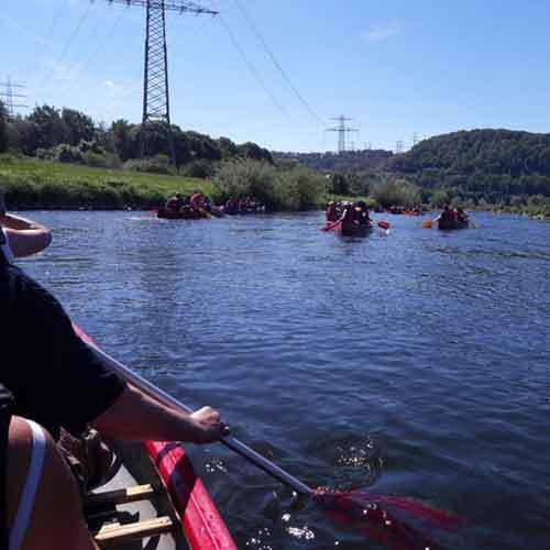 Vier Kanus auf der Ruhr